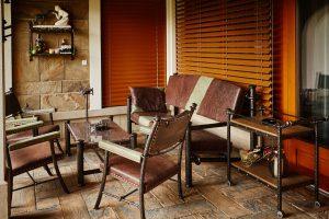 Aménagement-terrasse-meubles-fer-forgé