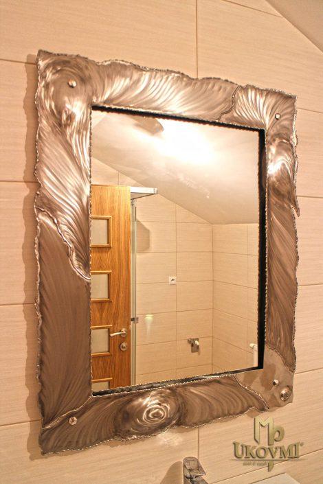 Miroirs et décoration en fer forgé