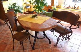 Table et chaises en fer forgé